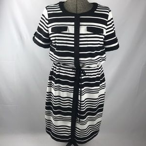 Black and White Drawstring waist Button-up Dress